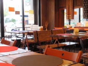 2011.02.20.03neocafe.jpg
